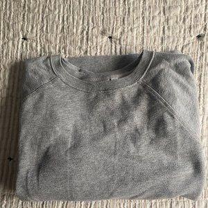 MediumGap grey pullover